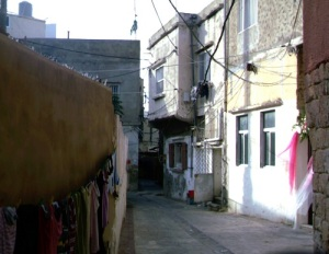 Σοκάκι στην ιστορική χριστιανική συνοικία της Τύρου.