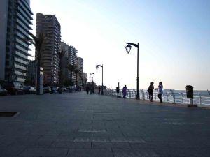 Ο παραλιακός πεζόδρομος της Βηρυτού (Corniche)