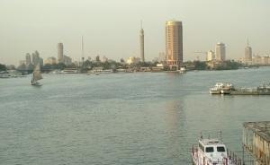 Ο Νείλος με το Νησί Ζάμαλεκ  και τον Πύργο του Καΐρου.