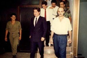 Ο Αμίν Τζεμαγέλ (αριστερά) με το Σαμίρ Ζαζά (δεξιά). Πηγή: histoiredesforceslibanaises.files.wordpress.com
