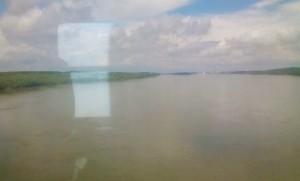 Ο Δούναβης συλλέγει τα νερά από μια τεράστια περιοχή της κεντρικής Ευρώπης για να το οδηγήσει εδώ προς τη Μαύρη Θάλασσα, σχηματίζοντας και το σύνορο Βουλγαρίας-Ρουμανίας.