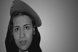 Η Λιβανέζα Σανάα Μεχάιντλι ήταν το 1985 ίσως η πρώτη γυναίκα παγκοσμίως που πραγματοποίησε επίθεση αυτοκτονίας, σε ηλικία μόλις 16 ετών, ως μέρος της αντίστασης στην ισραηλινή κατοχή της πατρίδας της. Μαζί της παρέσυρε στο θάνατο δύο ισραηλινούς στρατιώτες. Ήταν μέλος του Σ.Σ.Ε.Κ. Πηγή: http://www.aljazeera.com/programmes/general/2010/04/2010413115916795784.html