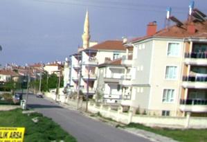 Η μικρή πόλη Καραμάν σώζει μέχρι τις μέρες μας το όνομα της δυναστείας των Καραμανιδών.