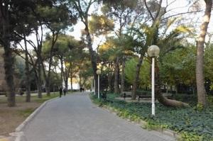 Το μεγάλο Πολιτιστικό Πάρκο καταλαμβάνει σήμερα το χώρο όπου πριν βρίσκονταν αρκετές από τις λαϊκές ελληνικές συνοικίες.