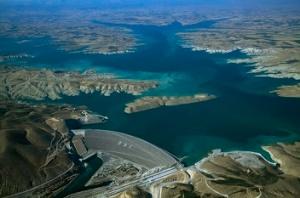 Το Φράγμα Ατατούρκ στον ποταμό Ευφράτη, ένα από τα μεγαλύτερα που έχουν κτιστεί στα πλαίσια του GAP. http://www.natgeocreative.com/photography/529932