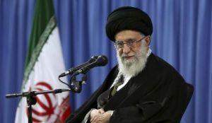 Ο Αγιατολάχ Αλί Χαμενεΐ, διάδοχος του Χομεϊνί, είναι εδώ και 27 χρόνια Ανώτατος Ηγέτης και άρα και το πιο ισχυρό πρόσωπο στο Ιράν. http://www.washingtontimes.com/news/2016/jan/19/khamenei-irans-supreme-leader-warns-against-us-dec/