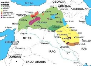Χάρτης των κουρδικών διαλέκτων. Τα Κουρμαντζί και Μπαχντανί (ανοικτό και σκούρο πράσινο αντίστοιχα) είναι ουσιαστικά το ίδιο, ενώ οι δύο παραλλαγές των Ζαζακί (Κιρμαντζκί και Ντιμλί) παρουσιάζονται με πιο κόκκινα χρώματα. Τα Σορανί (κίτρινο) έχουν επίσημο στάτους στο ημιανεξάρτητο ιρακινό Κουρδιστάν. http://www.kurdica.com/News-sid-Sprachen-in-Kurdistan-767.html