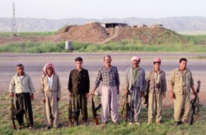 Γιαζιντίτες που υπηρετούν στην Πεσμεργκά, το στρατό της αυτόνομης κουρδικής διοίκησης στο Βόρειο Ιράκ. Πηγή: Wolfgang Taucher, Mathias Vogl, Peter Webinger (eds.) (2015).