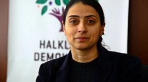 Η Φελεκνάς Ουτζά (γενν. το 1976 στη Γερμανία) ήταν ευρωβουλευτίνα με το γερμανικό κόμμα DIE LINKE (και τον πρόγονό του PDS) από το 1999 ως το 2009. Το 2015 εκλέχθηκε στην τουρκική Βουλή με το αριστερό φιλο-κουρδικό HDP. http://alchetron.com/Feleknas-Uca-870930-W