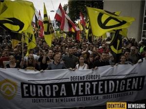 Εικόνα από διαδήλωση του Ταυτοτικού Κινήματος Αυστρίας. http://www.breitbart.com/london/2016/08/13/german-intelligence-confirms-observation-identitarian-movement/