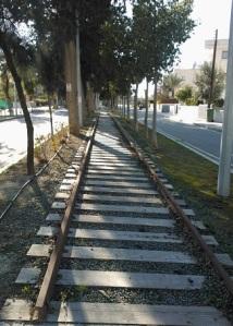 Μετά την Ομορφίτα, το τρένο περνούσε από τη σημερινή Οδό Συνεργασίας στο Καϊμακλί (απ' όπου και η φωτογραφία).